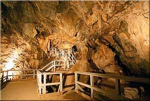 Mitchell Caverns - walkway